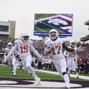 LIGHT THE TOWER: TEXAS BEATS KANSAS, 24-17